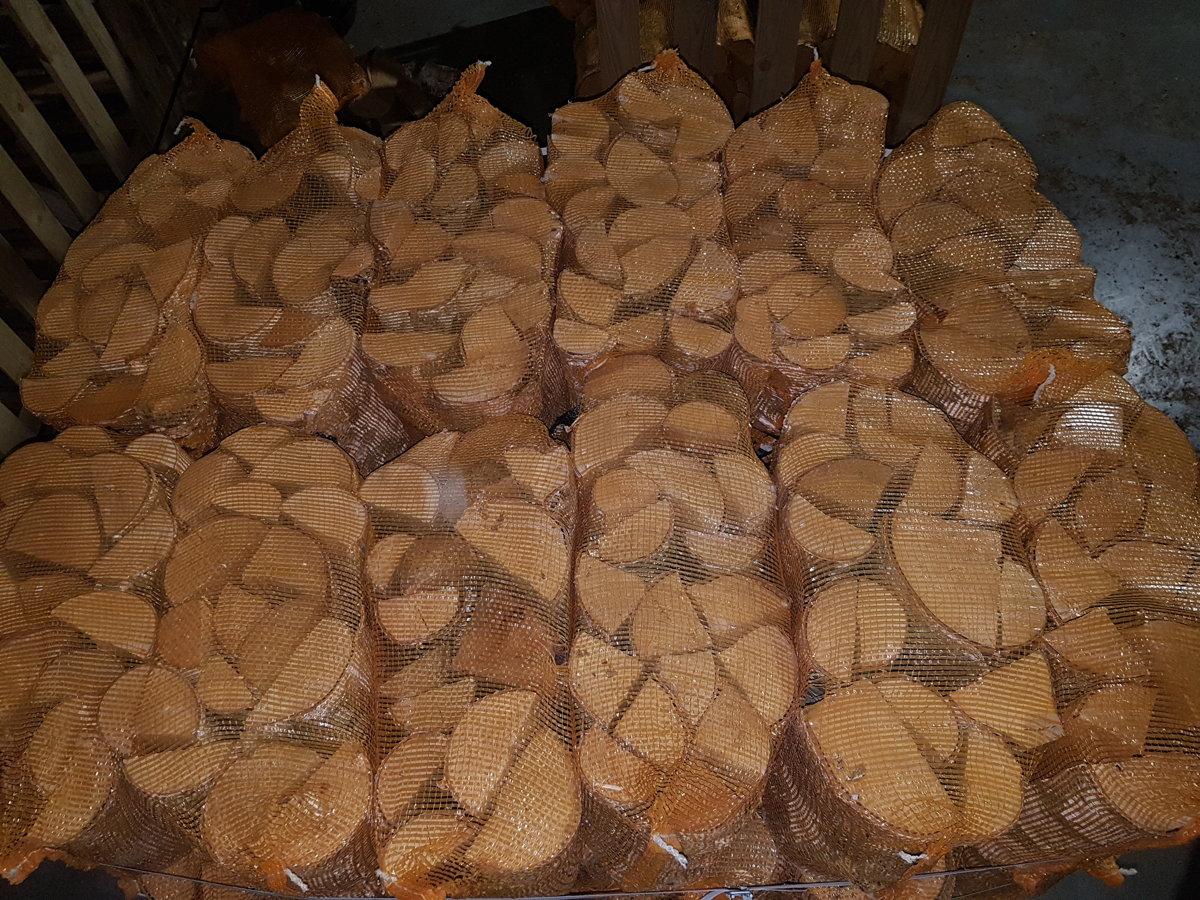 Birch firewood in 40 l bags