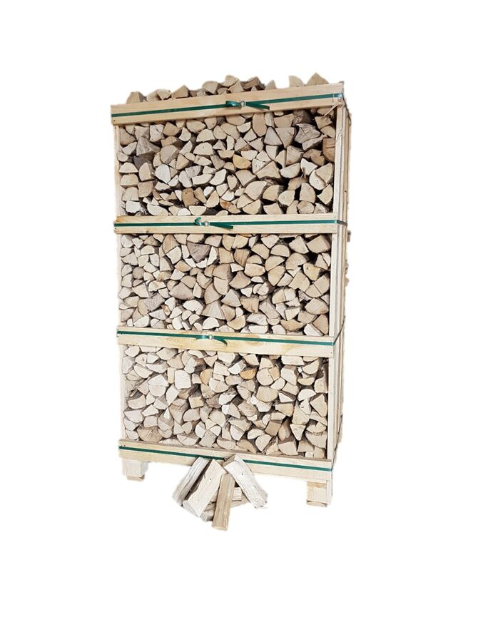 Kiln dried hornbeam firewood in 1,8 RM wooden crates